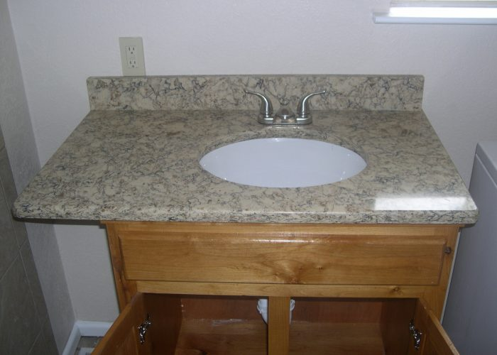 bathroom vanity tiled backsplash