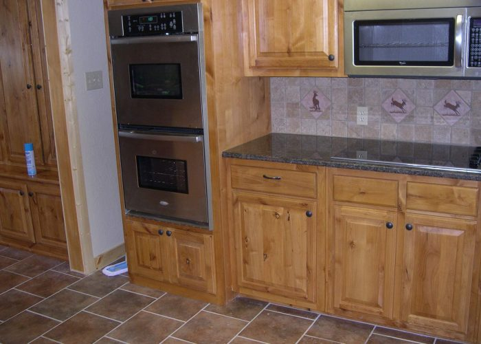 https://slsenterprises.net/wp-content/uploads/2017/07/pine-cabinets3-700x500.jpg